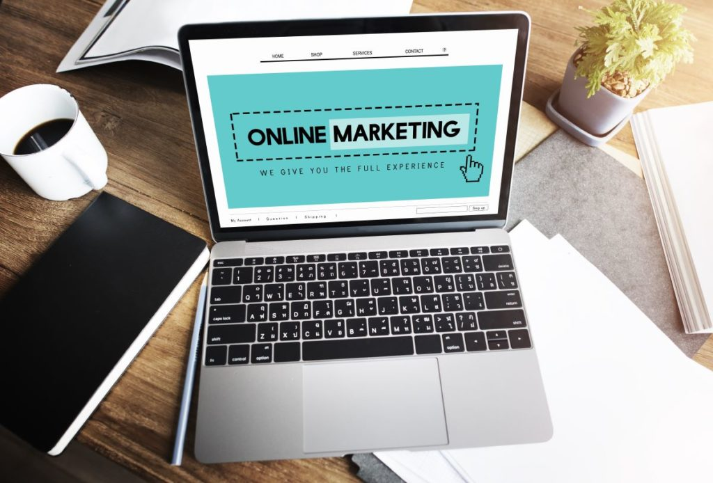 online marketing slide on laptop